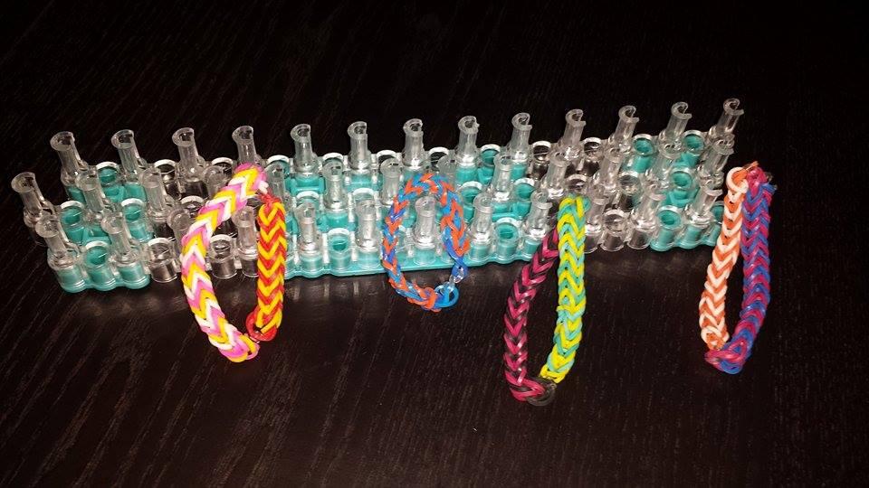 Rainbow Bandz Loom Kit Review #loomkit