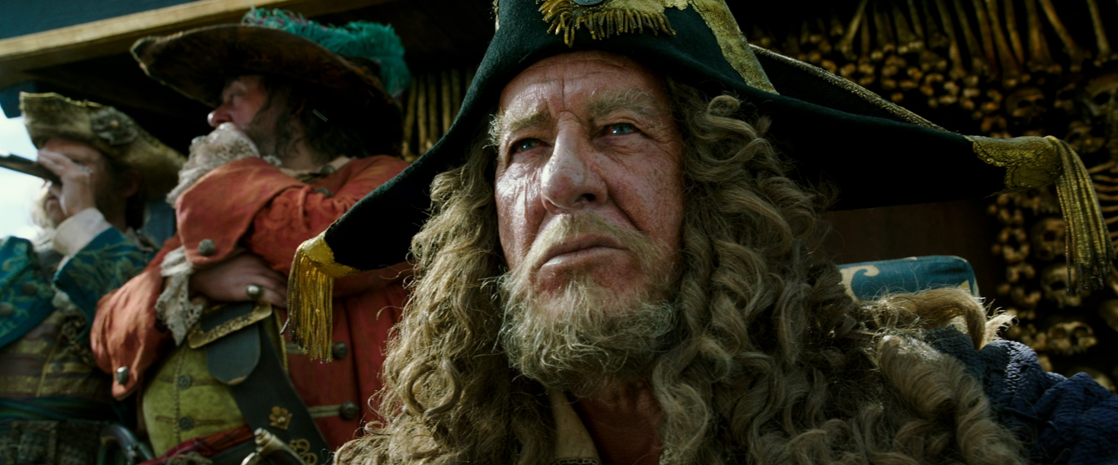 "EXCLUSIVE INTERVIEW: Geoffrey Rush (""Barbossa"") ~ PIRATES OF THE CARIBBEAN: DEAD MEN TELL NO TALES"